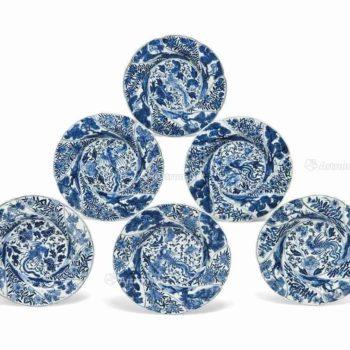 0366 康熙(1662-1722) A SET OF SIX BLUE AND WHITE MOULDED PLATES
