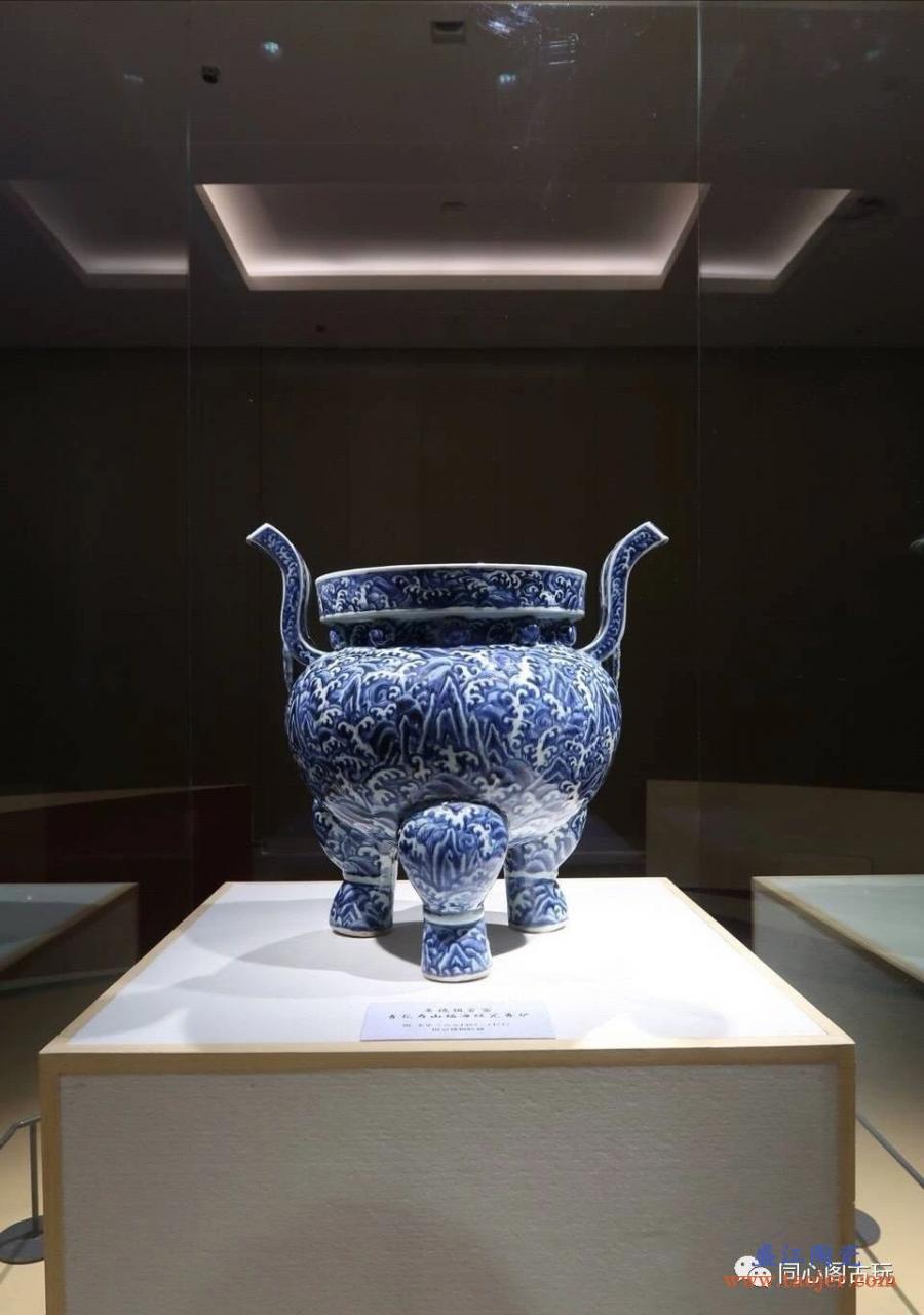 【每日一赏】明 · 永乐青花寿山福海纹瓷香炉