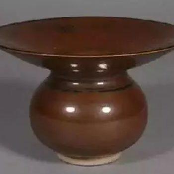 罕见的定窑颜色釉及描金瓷器