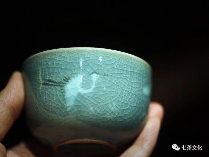 冰裂的青瓷:无与伦比的残缺之美