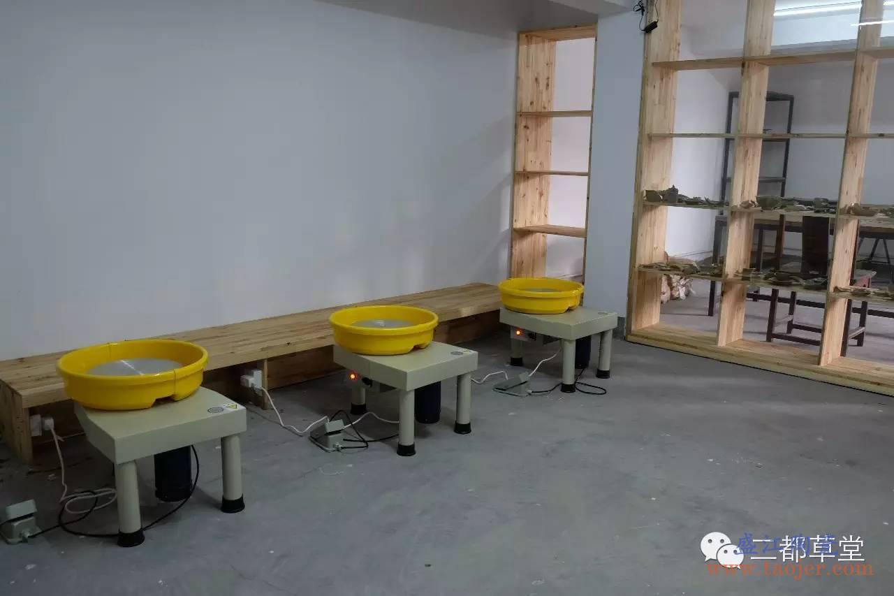 这有个越窑青瓷工作室
