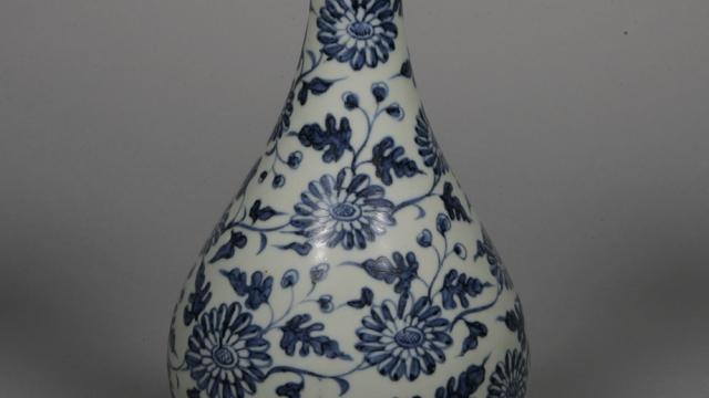 青花缠枝扁菊纹玉壶春瓶  元代  观复博物馆藏