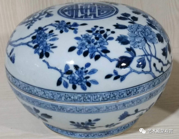 The highest price of blue and white porcelain is 100 million?