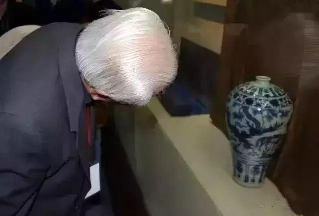 """估价10亿的青花第一瓷,为何40年来只露半边""""脸""""?"""