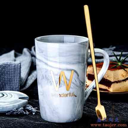 创意ins情侣陶瓷马克水杯子带盖勺个性潮流牛奶咖啡茶杯男女家用