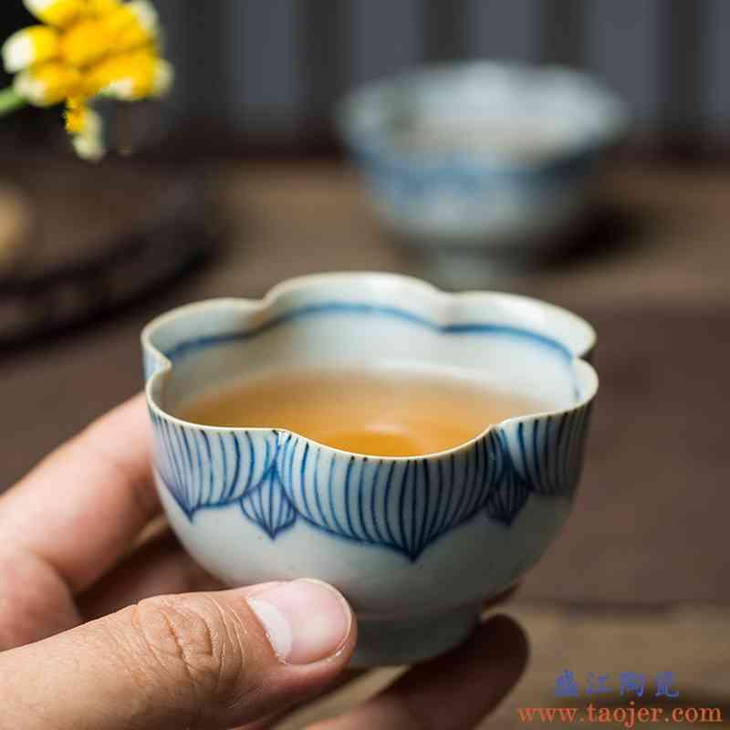 。聚景禅意青花葵口杯私人订制青花瓷主人杯手工功夫茶杯大容量品