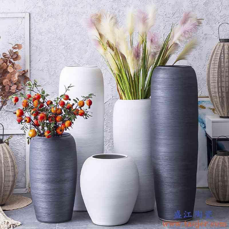 北欧现代简约白色落地大花瓶客厅插花酒店园林手工粗陶罐装饰摆件