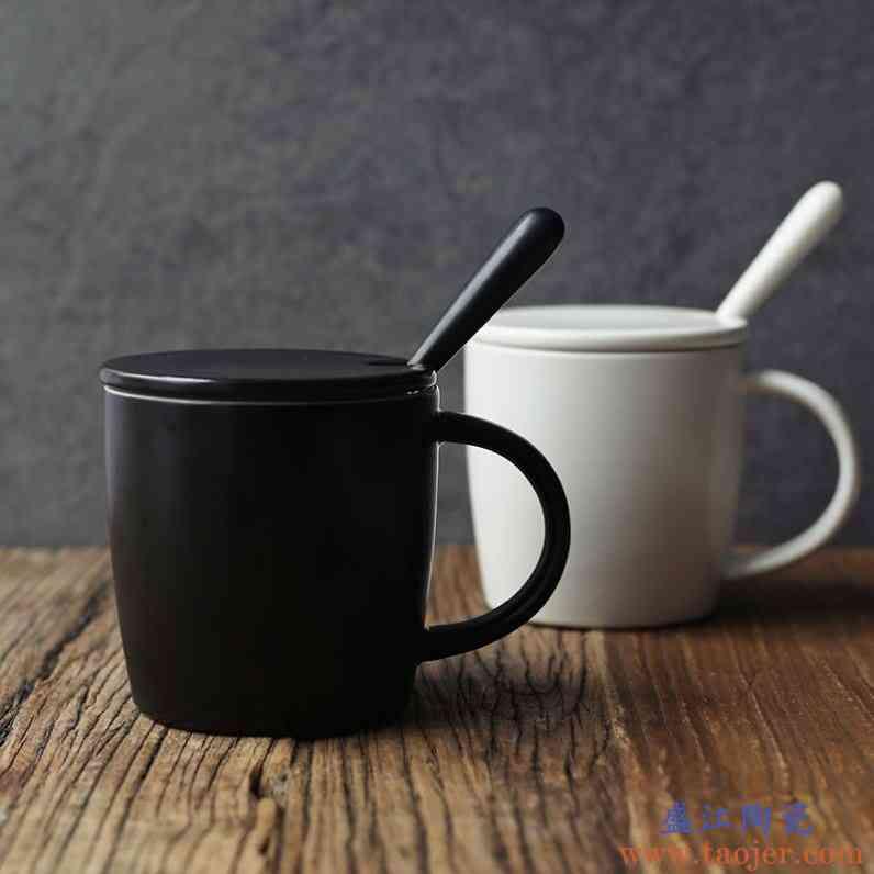 创意黑白杯子陶瓷马克杯情侣水杯带盖子勺子欧式简约咖啡杯水杯